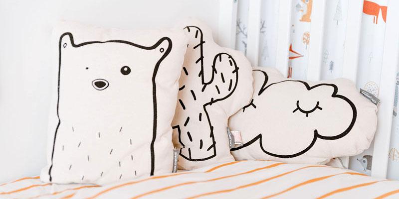 cojines para decoración de la habitación del bebé