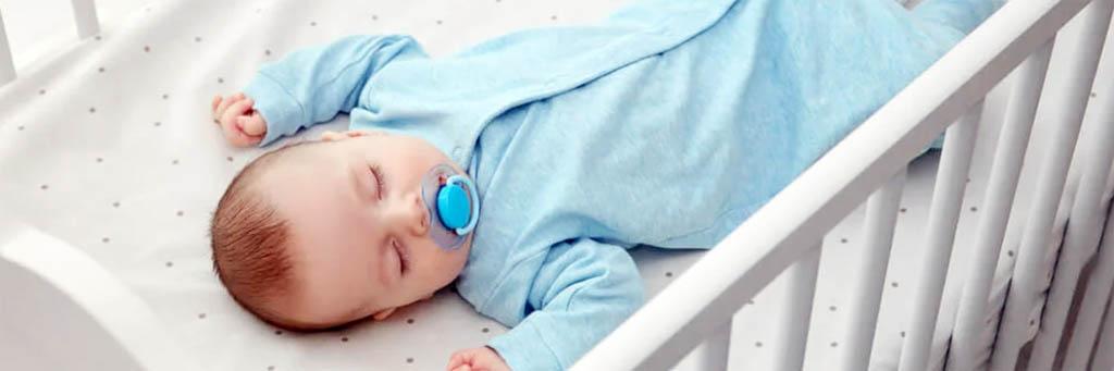 Cuna para la habitación del bebé